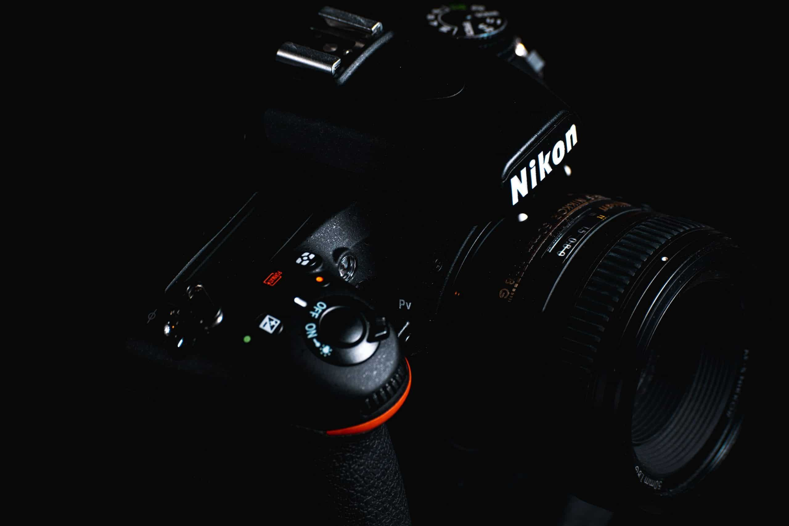 What lens should you buy first as a beginner photographer?