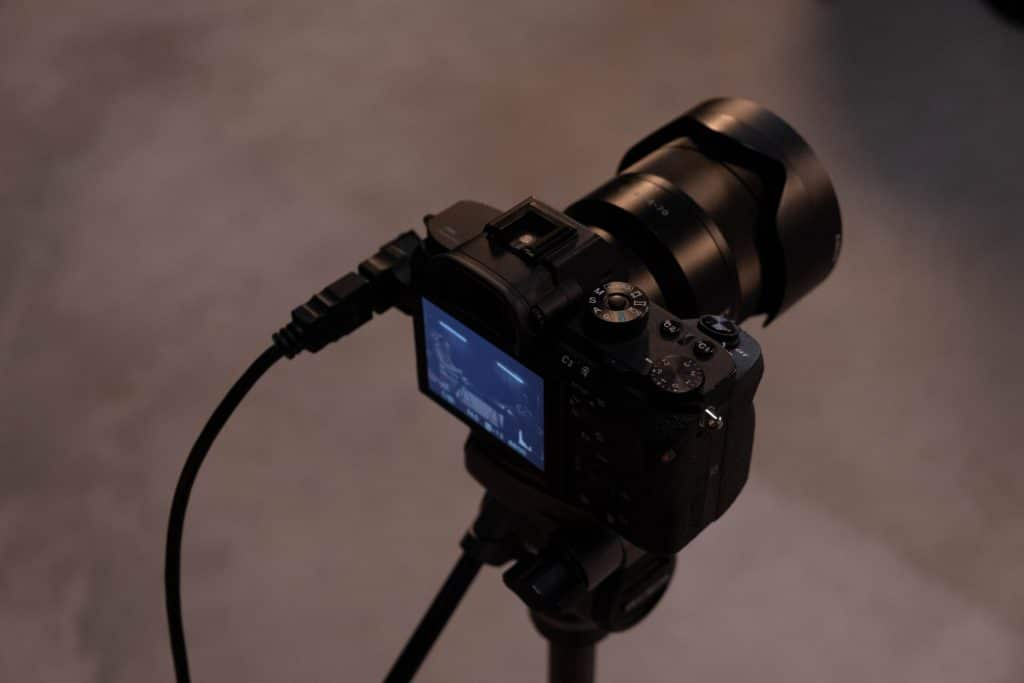 What is the slowest shutter speed without a tripod?